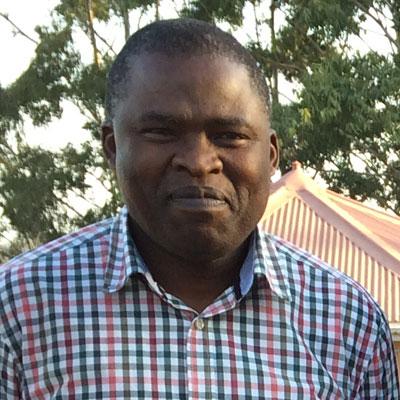 Chief Ngwenyathi Dumalisile